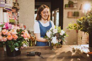 Creșterea vânzărilor în magazin – de ce revin cumpărătorii în florării