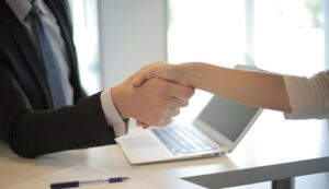 Tichetele de masa pot fi acordate si angajatilor care se afla in somaj tehnic