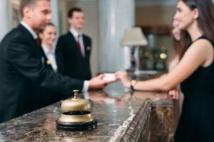 Plata sejurului prin carduri de vacanță în 2020 – tot ce e bine să știi ca unitate turistică