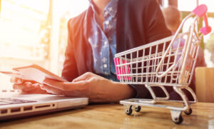 Cumparaturi online in vremuri de criza – ce isi doresc clientii