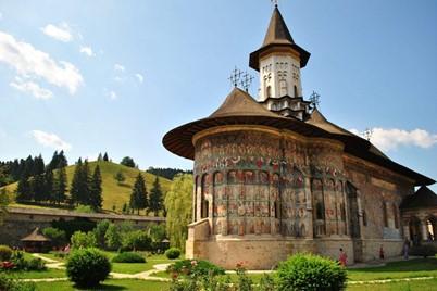 5 motive sa vizitezi Moldova,biserici Pictate Moldova, Turist Pass
