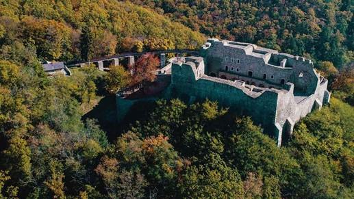 Motive sa vizitezi Moldova: cetati medievale fortificate, Turist Pass Sodexo