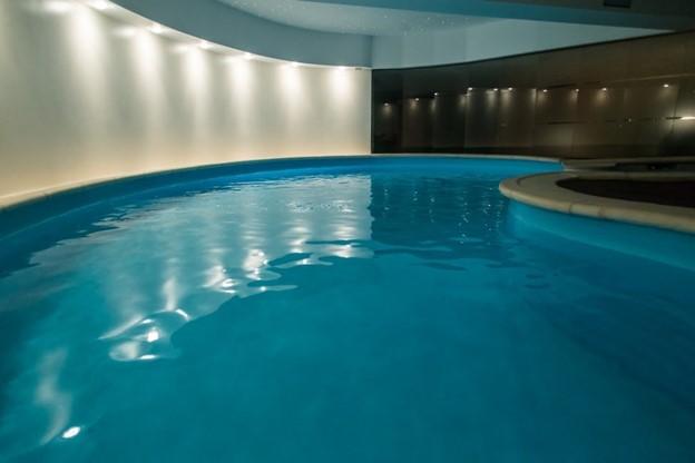 Cazare cu vouchere de vacanta piscina Lux Garden Azuga