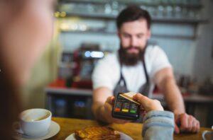 Mai multe opțiuni de plată cu cardul, mai mulți clienți